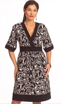 EASY PLUS SIZE Dress Pattern - Dresses - Sizes 16-22