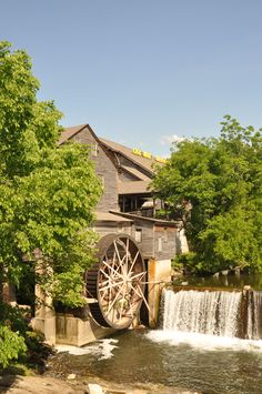 The Old Mill is a area in Pigeon Forge that you must visit!