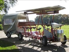 - Tolkamp metaalspecials - Bike for many with trailer. Imagine, drinks, bike powered blender. so fun.