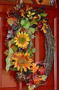 Autumn wreath ... grapevine base ... sunflowers and leaves ...