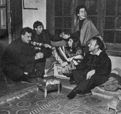 Patricio Manns, Ángel Parra, Isabel Parra, Víctor Jara y Rolando Alarcón.