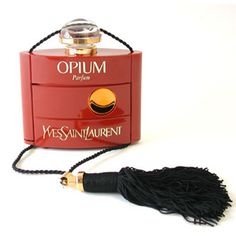 opium perfume. I use to watch my mom get dressed to go out and she would wear this perfume. I use to go behind her and smell the musky aroma. I now wear opium the oil. I wish I would have kept her bottle, just as a keep sake. This scent always reminds me of her and I smile.