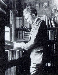 Ezra Pound     Uncredited and Undated Photograph