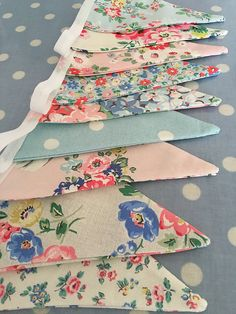 Patchwork and lace makes is part of Cath kidston fabric - patchworkandlace Fabric Garland, Fabric Bunting, Bunting Garland, Bunting Ideas, Diy Bunting, Fabric Banners, Lace Bunting, Bunting Pattern, Buntings