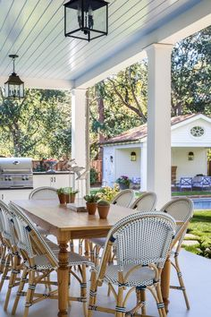 Classic White Colonial Revival Home in San Francisco Ceiling Curtains, Green Curtains, Modern Farmhouse Plans, Farmhouse Front, White Mosaic Tiles, Traditional Dining Tables, Sophisticated Bedroom, Green Shutters, White Porch