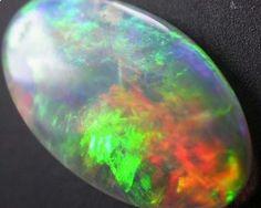 LIGHTNING RIDGE CRYSTAL OPAL 0.70cts (A4)  Crystal Opal beautiful colors Australian opal