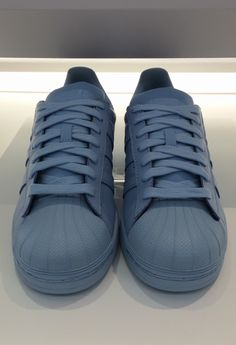 adidas, fashion, and blue image Nike Tennis Shoes, Adidas Shoes, Sports Shoes, Ropa Upcycling, Shoes Heels Boots, Shoes Sneakers, Baskets, Sneaker Heels, Custom Shoes