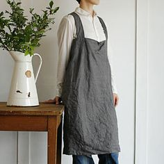 I'm positive that if I made this apron, I would feel like Cinderella and the house would be better for it.