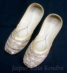Women's Beaded Indian Punjabi Shoe US Size 8 Golden Jooti Handmade Jutiya Flats | eBay