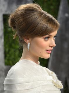 Wedding Hair How To: A Vintage Updo - MyDaily UK