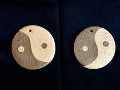 Coppia di medaglioni yin e yang