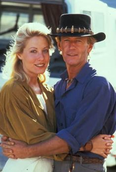 Linda Kozlowski und Paul Hogan fell in love on set. Celebrities Then And Now, Famous Celebrities, Celebs, Big Brother Cast, Linda Kozlowski, Big Brother Contestants, Crocodile Dundee, Celebrity Big Brother, Cinema
