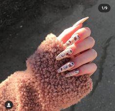 Shared by ༺♥༻. Find images and videos about nails, hand and inspo on We Heart It - the app to get lost in what you love. Edgy Nails, Grunge Nails, Funky Nails, Oval Nails, Stylish Nails, Almond Acrylic Nails, Summer Acrylic Nails, Cute Acrylic Nails, Cute Nails
