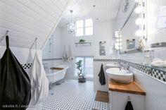 Myytävät asunnot, Saarenkatu 15, Helsinki #oikotieasunnot #kylpyhuone #bathroom #koti #home #Helsinki