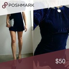 Midnight blue velvet game of thrones chic dress 4 So beautiful. Vintage; not lanvin but vibes it. I am 5'9, 26w, 35 hip 34b/32c in all my photos so there is no size marked butnit fits me perfectly. If you buy one fabric for 2016 fall it should be velvet..this is a classic hue..it does zip up all the way in the back but i was rushing through grabbing a bunch of shots Lanvin Dresses Mini