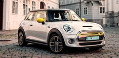 World's Cutest Car Mini Cooper Wallpaper, New Wallpaper, Cooper Car, Mini Cooper S, Free Photographs, Colored Highlights, Cute Cars, Car Wallpapers, Us Images