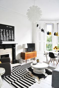 Black and white Living Room / AMM