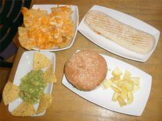 1º-DIAMANT  #BºdeGracia #agosto #FestesdeGràcia #terraza #comidacasera #salsa #nachos #increíble #bocadillo #sobrasada #quesesaledebueno
