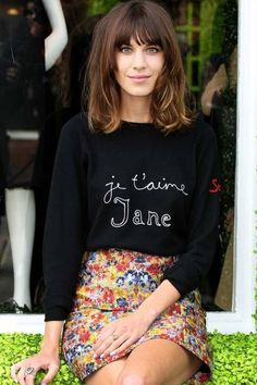 Fashionista. Blogger outfit. Je t'aime Jane sweatshirt and flowered short skirt.