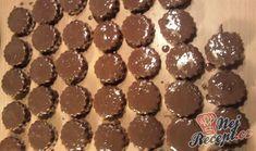 Oříškové mini dortíčky polité čokoládou