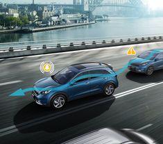 Der Aufmerksamkeitsassistent im Kia Niro Plug-In Hybrid überwacht dein Fahrverhalten und warnt dich bei Gefahren, bevor Unfälle passieren. Crossover, Kia Motors, Austria, Plugs, Vehicles, Car, Automobile, Audio Crossover, Corks