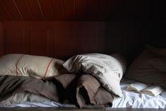 Scandinavian Chalet Interior, Bedroom detail — Christian's & Hennie - www.no Arch Interior, Interior Work, Interior Design Studio, Mountain Cottage, Home Bedroom, Bedrooms, Home Textile, My Dream Home, Norway