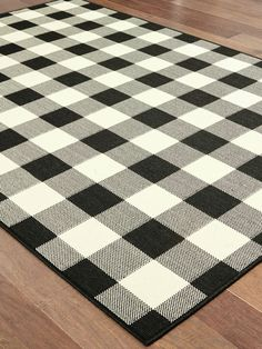 The Buffalo Check Rug for Indoor/Outdoor Use is in a classic and handsome pattern. Made from a long-wearing material, this rug can stand up to heavy foot traffic. House Front Porch, Front Porch Design, Rustic Country Kitchens, Country Decor, Webster House, Outdoor Rugs, Indoor Outdoor, Floral Area Rugs, Buffalo Check