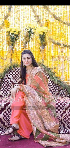 Stylish Dresses For Girls, Stylish Dress Designs, Designs For Dresses, Pakistani Fashion Party Wear, Pakistani Wedding Outfits, Simple Pakistani Dresses, Pakistani Dress Design, Wedding Dresses For Girls, Party Wear Dresses