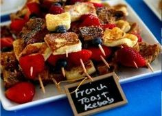 French Toast Kebobs...I think I would do pancakes over french toast but it sounds like a fun breakfast thing....time consuming but fun