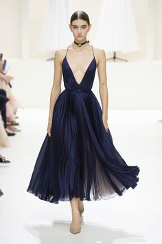 See every single dreamy dress from Dior's latest couture collection- HarpersBAZAARUK