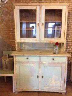Our latest purchase: a vintage cabinet at De Vintageloods