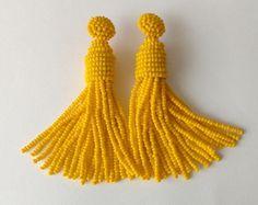 Brinco Tassel de Miçangas - Amarelo Cada brinco tem 22 fios de Miçangas Base revestida para Orelhas com Furos . earrings beads, beading, tassel, fringe