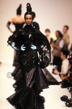 career as a fashion photographer. Thousands pics. Iman Model, Supermodel Iman, David Bowie Wife, Fashion Photo, Fashion Models, Yves Saint Laurent, Beauty Ad, Timeless Beauty, Vintage Bollywood