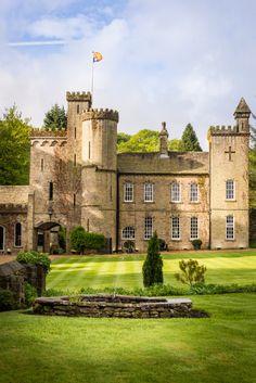 rental house, castle for rent, Yorkshire England, rental accommodation, luxury rental accommodation
