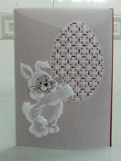 Pergamano, Dentelle de papier, Parchment craft, lapins, bunnies, Pâques, Easter. https://www.avecpassion.fr/29-pergamano-parchment-craft-dentelle-papier-parchemin