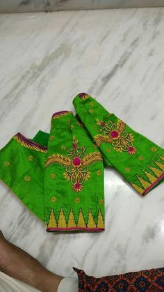 Discover thousands of images about Whatsapp 9133502232 Hand Work Blouse Design, Simple Blouse Designs, Sari Blouse Designs, Designer Blouse Patterns, Hand Embroidery Designs, Embroidery Works, Embroidery Stitches, Embroidery Patterns, Blouse Designs Catalogue