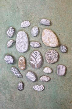 draw on stones with