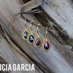 ⚜⚜⚜PG⚜⚜⚜ Arracadas con cristales #patriciagarciaaccesorios #chapadeoro #earrings #arracadas #mexicocreativo #xmas #pg #joyeriaartesanal #losmochis #gifts #style #handmadejewelry #jewelry #joyeria #regalos #winter