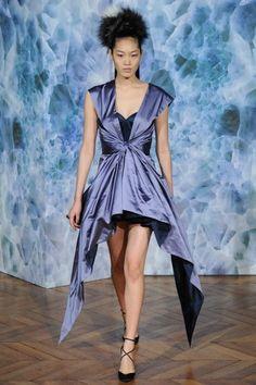 Alexis Mabille, abito asimmetrico