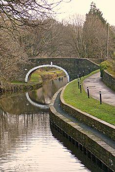 Wow, I would love a  Canal bridge 2 / http://www.dancamacho.com/canal-bridge-2/