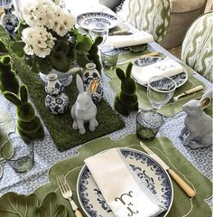 This adorable Easter table belonging to has me on the search for moss bunnies. Love the blue and green together--so… Easter Weekend, Easter Brunch, Easter Party, Easter Table Settings, Easter Table Decorations, Easter Decor, Easter Ideas, Setting Table, Easter Centerpiece