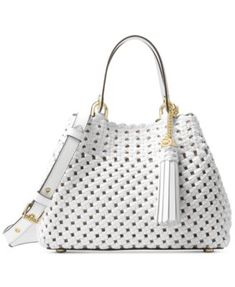 A unique woven leather exterior adds boho charm to the sleek and chic Michael Michael Kors Brooklyn Tote. Michael Kors Tote, Handbags Michael Kors, Purses And Handbags, Look Fashion, Fashion Bags, Fashion Outfits, Sacs Design, Classic Handbags, Crossbody Tote