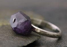 Simple ring in purple AMETHYST and sterling silver.
