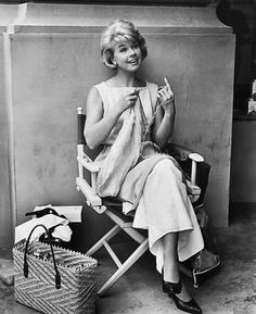 I want to know what Doris was knitting!    noblondes:    Doris Day knitting on the set of That Touch of Mink