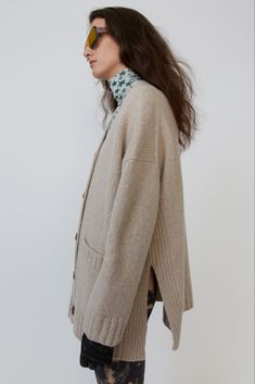 Acne Studios cold beige cardigan is shaped for an oversized fit and finished with ribbed trims and a side-slit hem. Beige Cardigan, V Neck Cardigan, Acne Studios, Wool Blend, Knitwear, Cashmere, Bell Sleeve Top, Normcore, Style Inspiration