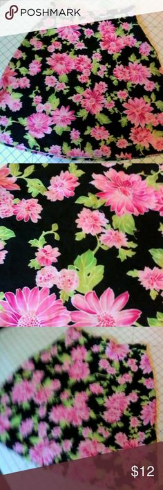 Black Pink Floral Cotton A Line Skirt 8 Misses This is a misses skirt by AGB Byer California in a size 8 Great for back to school! Cotton spandex fabric, NOT lined A line style Zipper on left side Black with a pink, green and white floral print In excellent used condition AGB Skirts Mini