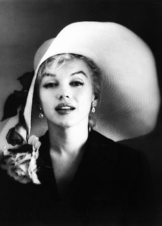 Marilyn Monroe photographed by Carl Perutz, 1958