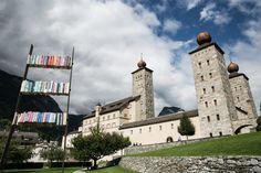 Wallis Sehenswürdigkeiten: 40 Ausflugsziele und schöne Orte - Travelstory.ch Wallis, Seen, Switzerland, Mount Rushmore, Hiking, Tower, Mountains, Building, Nature