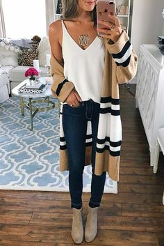 Need cute ideas for trendy fall outfits? Look no further. We found 15 hottest fall looks for back to school, work, or play! We know you will love them!