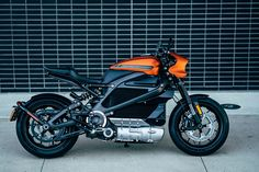 Harley Davidson this week revealed a production-ready electric motorcycle that will be available in 2019 - the Harley Davidson LiveWire. Could this new electric motorbike mean future success is secured for Harley? Motos Harley Davidson, Harley Davidson Electric Motorcycle, Motorcycle News, Scrambler Motorcycle, Honda Scrambler, Motorcycle Design, Electric Bicycle, Electric Cars, Nova Harley